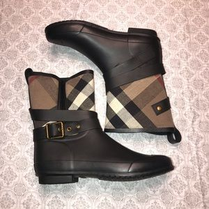 BURBERRY Rainboot Halloway Mid Buckle Cambas Check